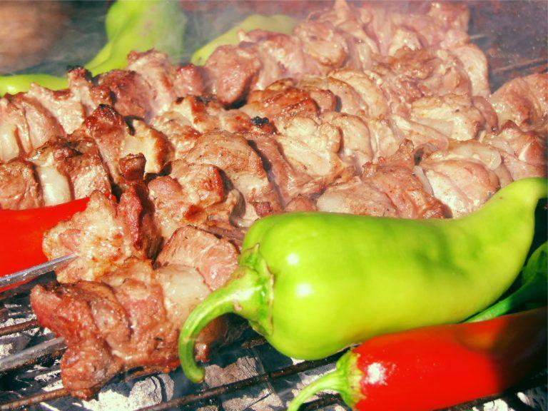 Pikniks Lielbornes muiža, kempings, grilēta gaļa
