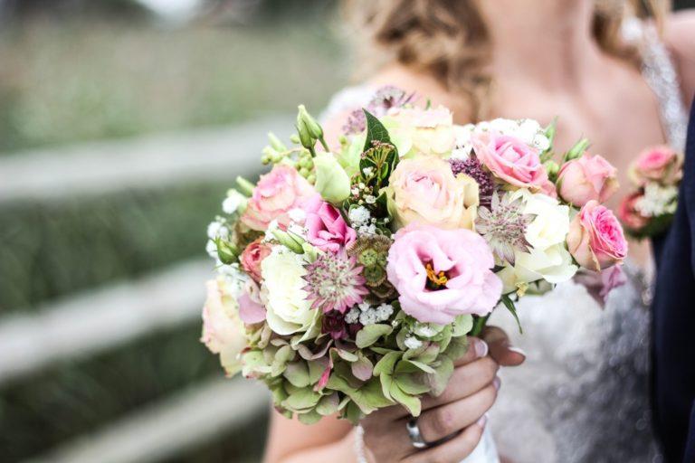 wedding in the Lielborne manor, wedding bouquet, wedding flowers